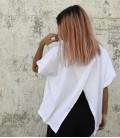 camiseta abierta blanca